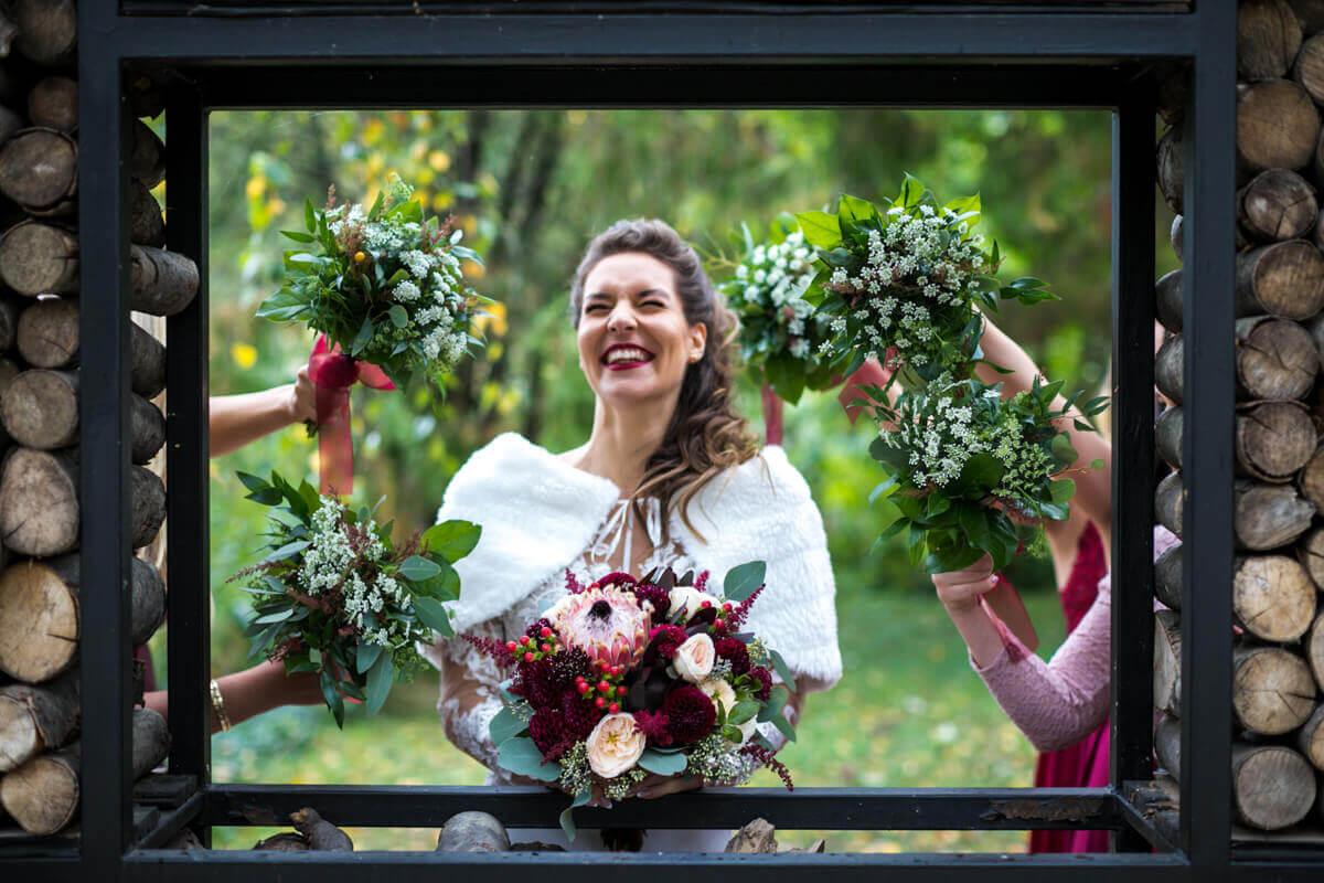 Esküvő fotózás során készült kép Lauráról.