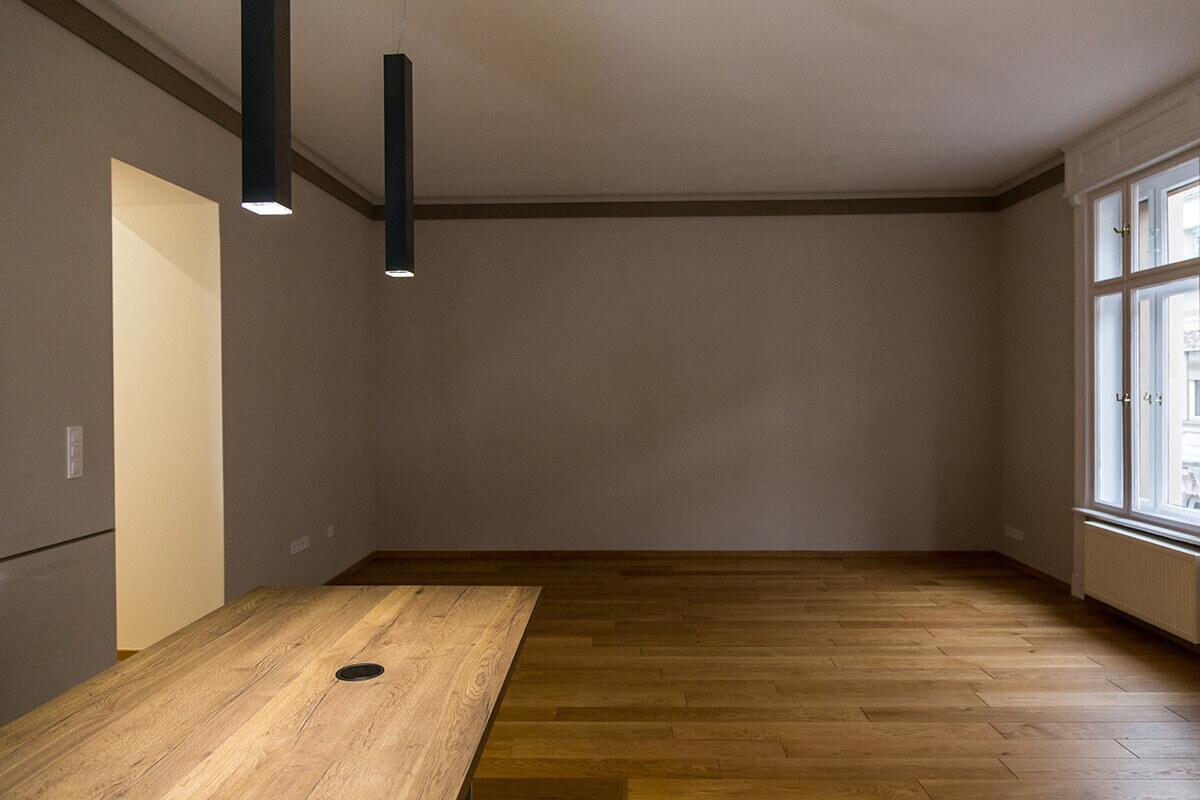 Enteriőr fotózás, lakásfotózás során készített fotó egy üres szobáról.