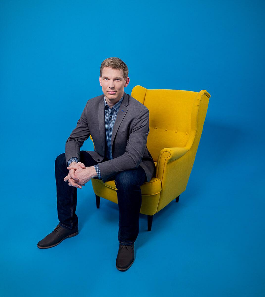 Üzleti portréfotózás során készített fotó Hampuk Richárdról.