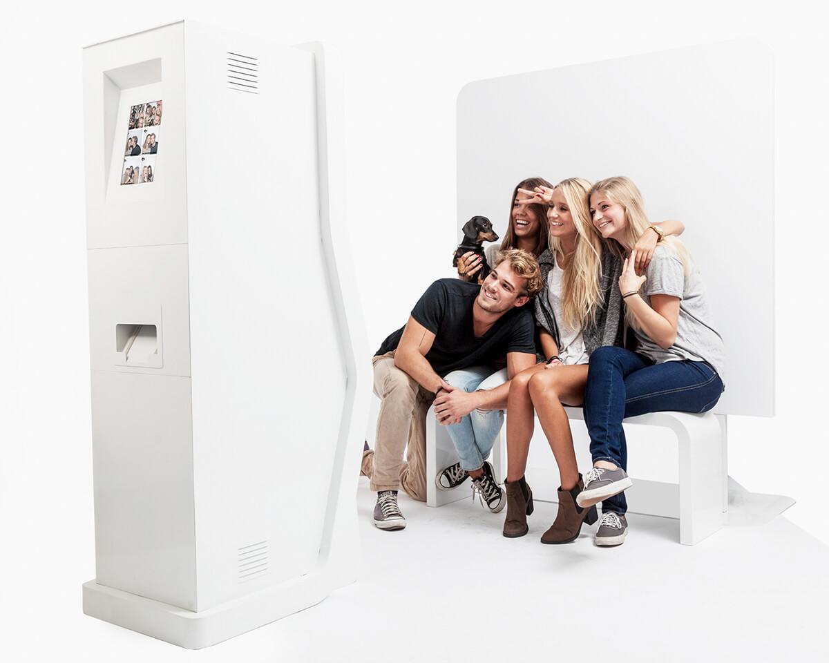 Reklámfotózás során készített termékfotó egy photoboxról.